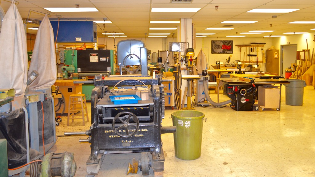 The Machine Shop – The Guild has a full collection of machine woodworking tools.  Duplicate machines allow for custom set-up and multiple users.